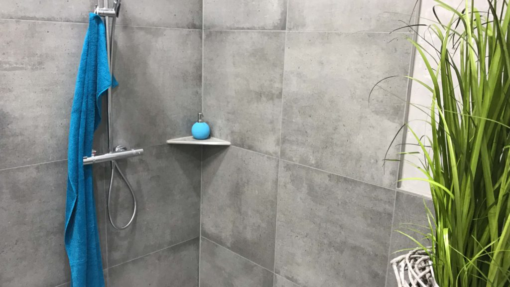h2o.hu Ablago utólagosan beépíthető csempézhető zuhanypolc Quado, négyzet lezárással
